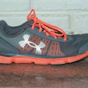 Under Armour Boys Tennis Shoes Size 5.5 Orange